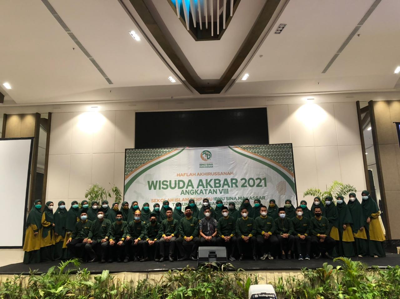 Wisuda Angkatan VIII SIT Ibnu Sina Makassar